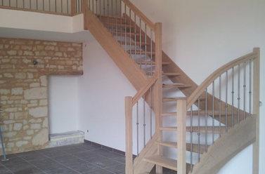 Installation d'escalier près de Saintes